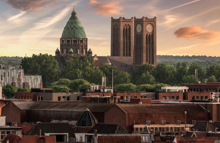 Sint Bavo Kathedraal Haarlem mooie lucht